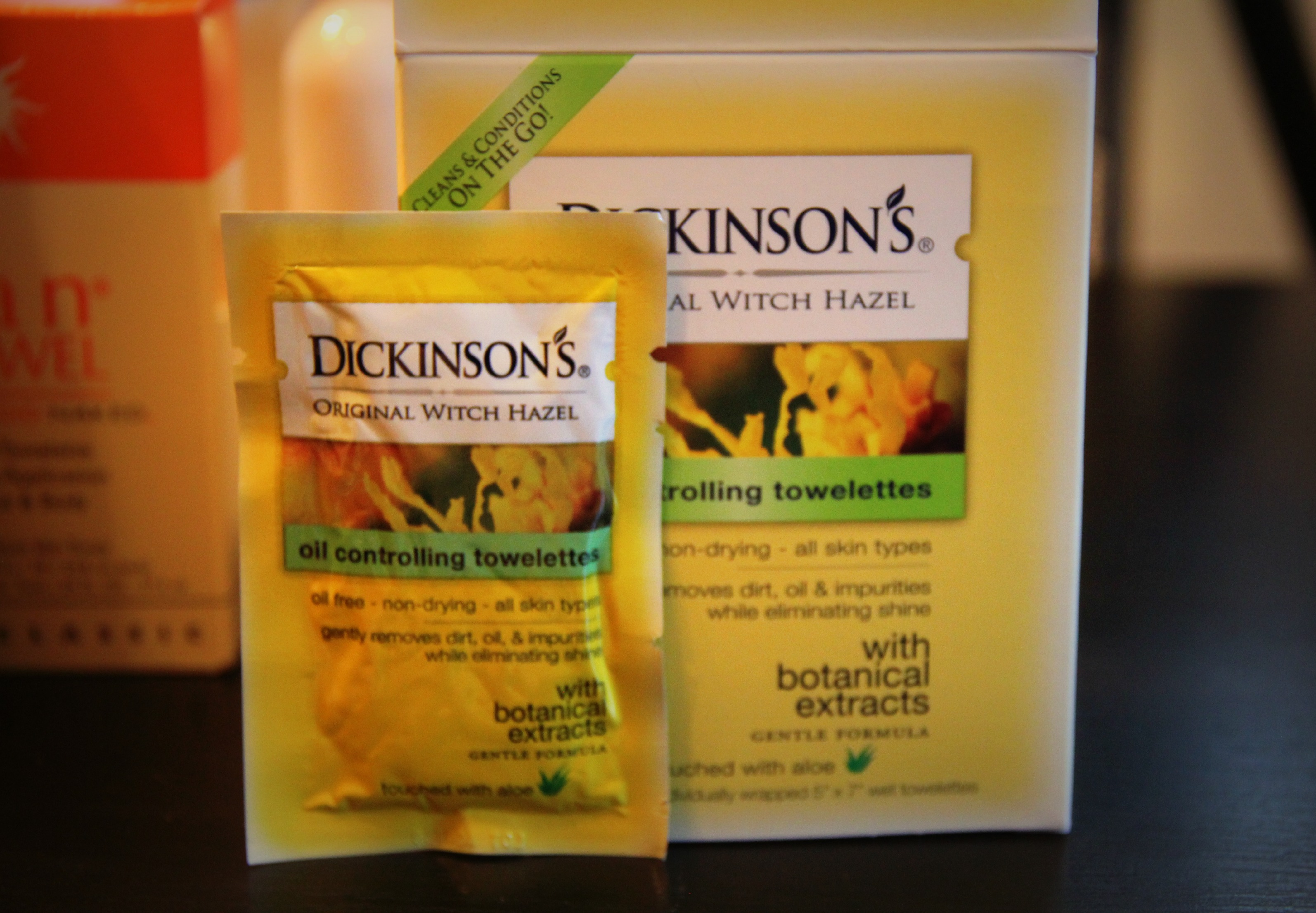 dickinsons oil controlling towelettes