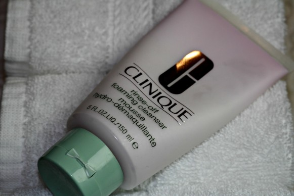 clinique rins off foaming cleanser