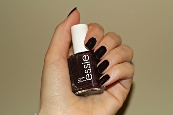 essie carry on swatch