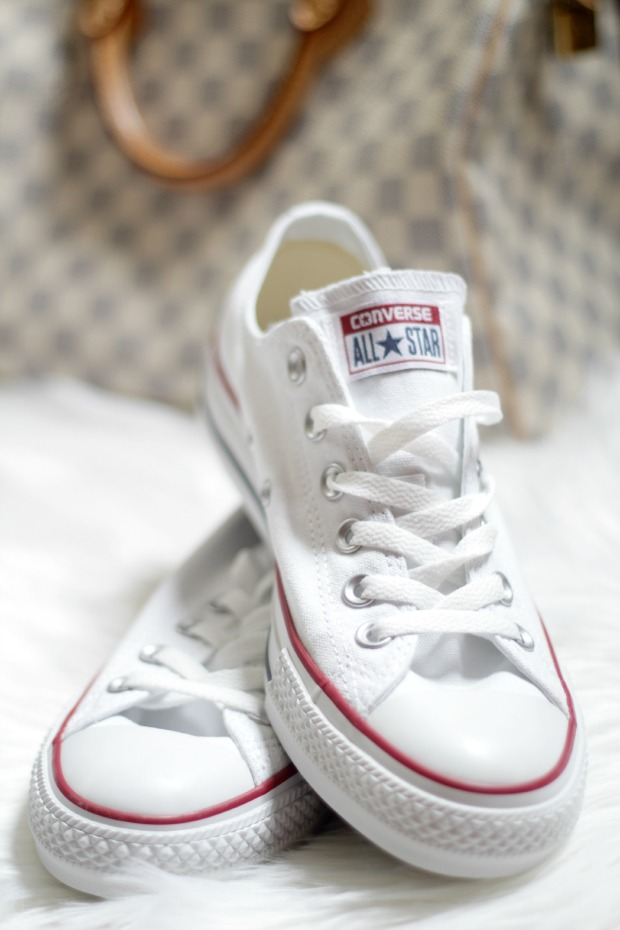 how to style white converse shoes