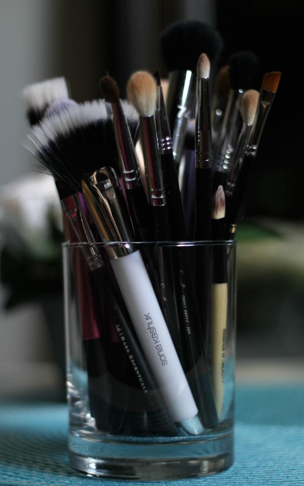 makeup brush holder diy