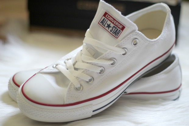 white converse sneakers blog
