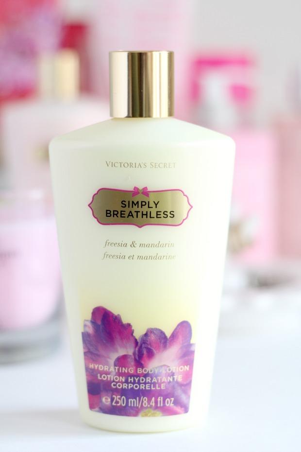 VS Fantasies Simply Breathless Hydrating Body Lotion