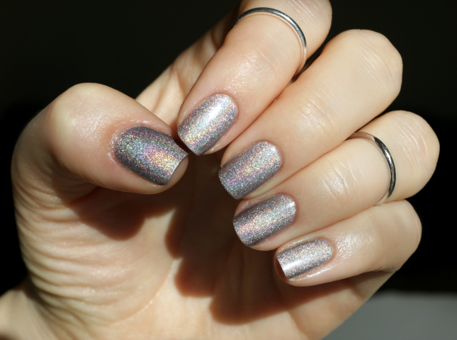 L'Oreal masked affair swatch