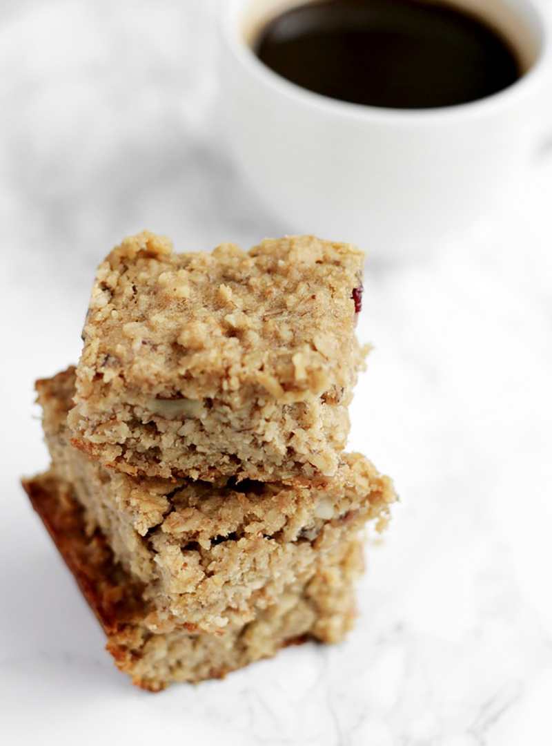 Healthy banana and oat breakfast bars- Thirteen Thoughts