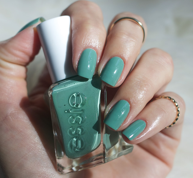 Essie-gel-couture-Beauty-Nap