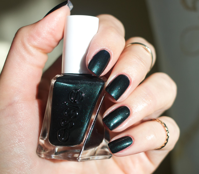 essie-gel-couture-hang-up-the-heels